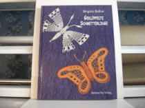 Geklöppelte Schmetterlinge